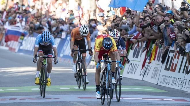 Alejandro Valverde (2.v.r.) gewann bei der WM 2018 in Österreich Gold