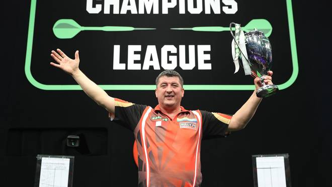 Mensur Suljovic geht bei der Champions League of Darts als Titelverteidiger an den Start
