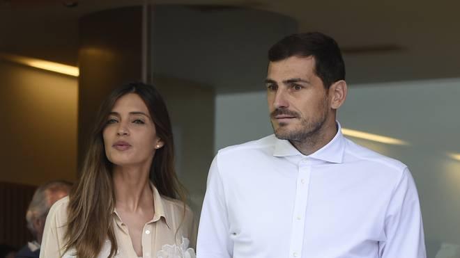 Iker Casillas verlässt das Krankenhaus zusammen mit seiner Frau Sara Carbonero