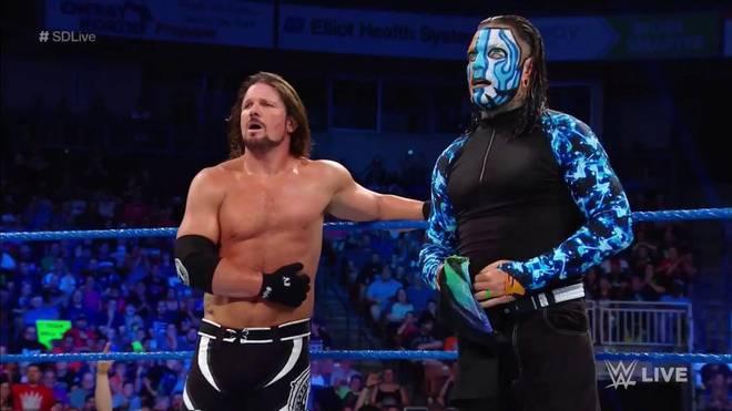 AJ Styles (l.) und Jeff Hardy taten sich bei WWE SmackDown Live vor Extreme Rules zusammen