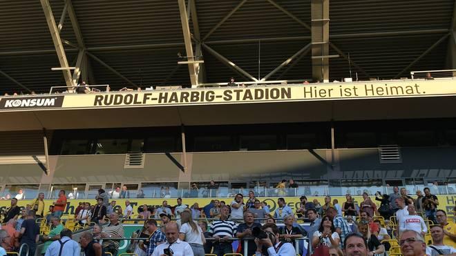 Die Arena in Dresden heißt wieder Rudolf-Harbig-Stadion
