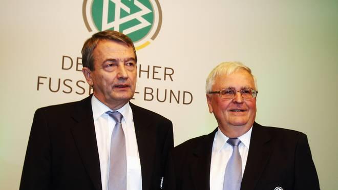 Gegen Wolfgang Niersbach (links) und Theo Zwanziger wird weiter ermittelt