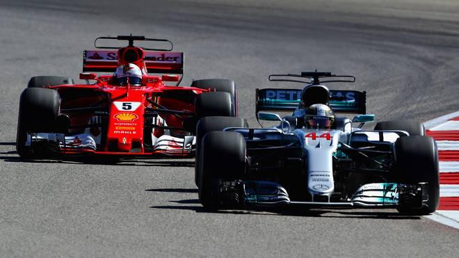 Lewis Hamilton (r.) und Sebastian Vettel lieferten sich 2017 einen packenden Kampf