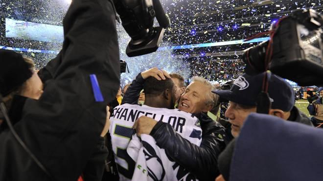 Chefcoach Pete Carroll feiert mit Kam Chancellor den Gewinn des Super Bowl 2014