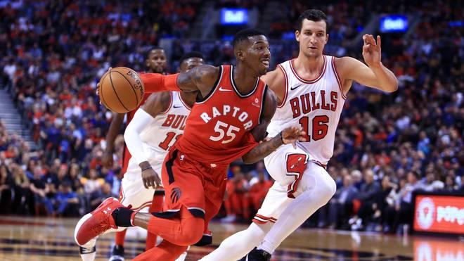 Paul Zipser (rechts) schrammt mit den Chicago Bulls gegen Toronto an der Überraschung vorbei