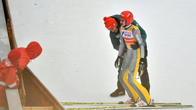 Richard Freitag war am Donnerstag beim Springen in Innsbruck gestürzt