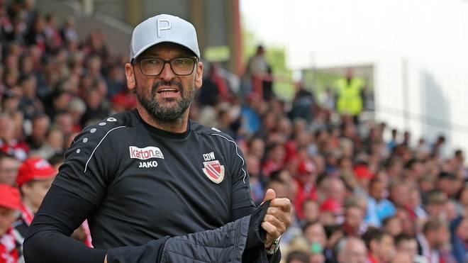 Cottbus-Trainer Claus-Dieter Wollitz freut sich auf das Duell mit dem FC Bayern