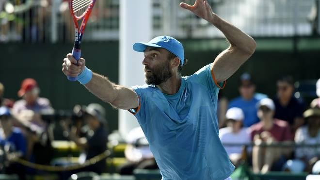 Tennis: Ivo Karlovic siegt mit 40 Jahren und macht es wie Jimmy Conners  , Ivo Karlovic gewinnt in Indían Wells gegen Matthew Ebden