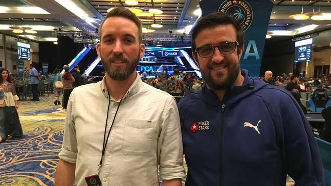 SPORT1-Reporter Sebastian Mittag traf Andre Akkari (r.) beim PokerStars Caribbean Adventure auf den Bahamas