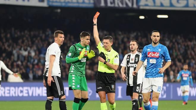 SSC Napoli v Juventus - Serie A: Napoli-Keeper Alex Meret wurde nach einer Notbremse gegen Cristiano Ronaldo früh vom Platz gestellt