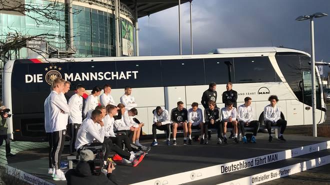 DFB, Bus, Fahne