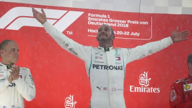 Auch die Gesten von Lewis Hamilton bei der Siegerehrung in Hockenheim regten Jacques Villeneuve auf