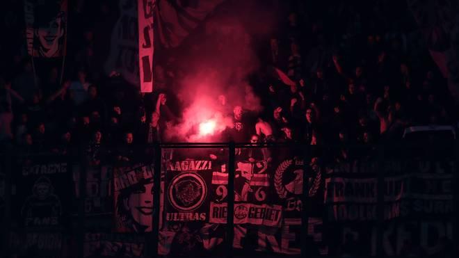 Europa League: Ultras von Eintracht Frankfurt üben Selbstkritik nach Pyro-Ärger, Fans der Frankfurter Eintracht haben gegen Inter Mailand wieder gezündelt