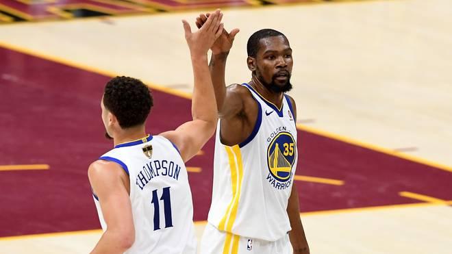 Klay Thomspon und Kevin Durant führten die Golden State Warriors zum Sieg gegen Sacramento