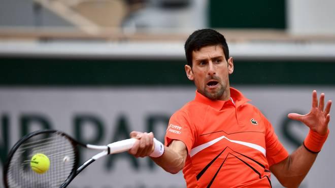 Novak Djokovic muss am Samstag gegen Dominic Thiem noch einmal auf den Court
