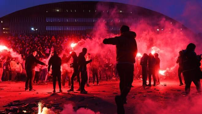Zwischen Fans von Lyon und Marseille kommt es immer wieder zu Ausschreitungen