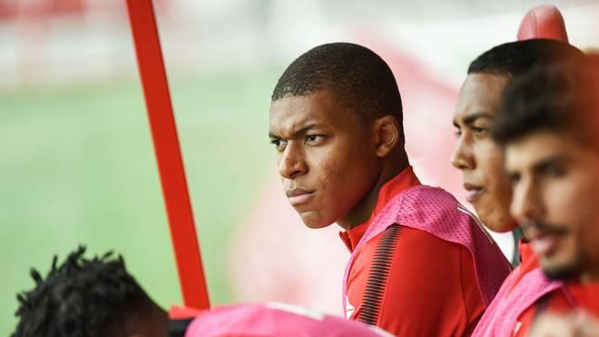Kylian Mbappe saß bereits am 2. Spieltag 90 Minuten auf der Bank