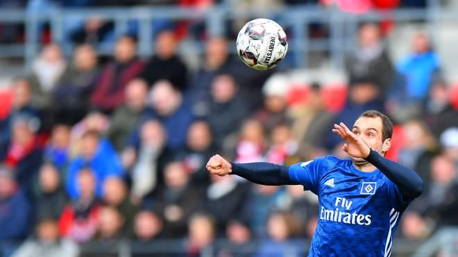 Pierre-Michel Lasogga will mit dem Hamburger SV einen wichtigen Sieg einfahren
