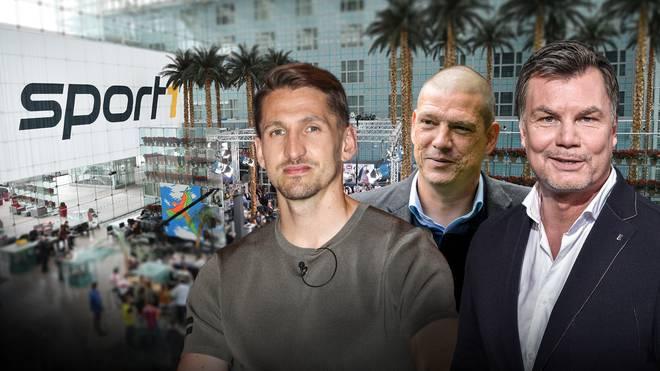 Rene Adler und Christian Ziege sind zu Gast bei Moderator Thomas Helmer (v.l.) im CHECK24 WM Doppelpass
