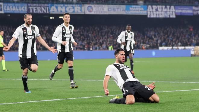 Juventus Turin: Emre Can nach Spiel gegen SSC Neapel von Medien gefeiert , Juve-Star Emre Can (vorne) feiert sein Tor gegen Neapel