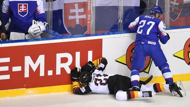 Eishockey-WM: Moritz Seider kehrt nach Brutal-Foul ins Training zurück, Moritz Seider wurde im Spiel gegen die Slowakei böse an der Bande gecheckt