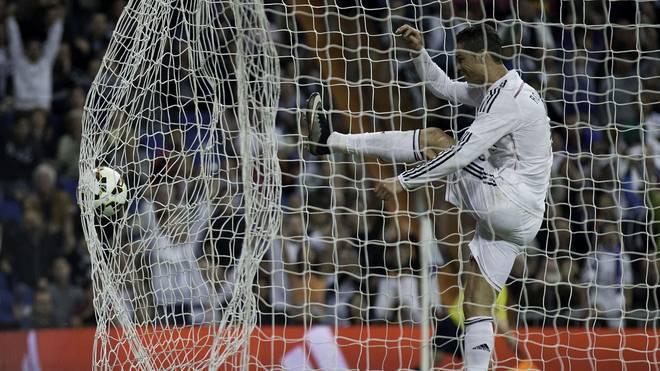 Cristiano Ronaldo drosch den Ball nach Arbeloas Tor wütend ins Netz