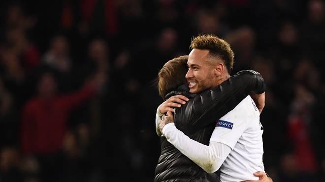 Thomas Tuchel (l.) pflegt bei PSG eine enge Bindung zu Superstar Neymar