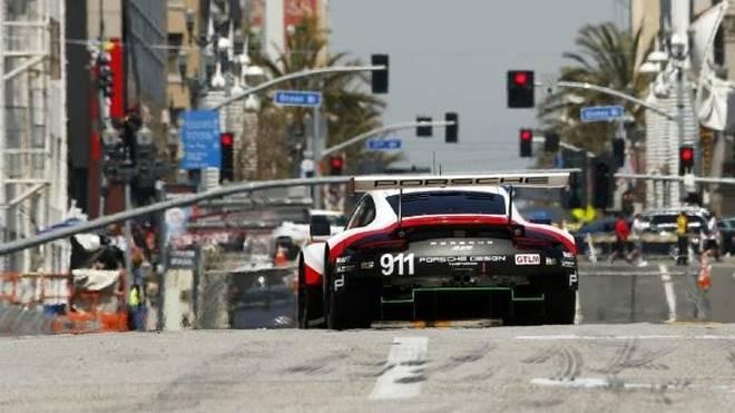 Mit dem 911 RSR auf den Straßen von Long Beach: USA als top Porsche-Markt