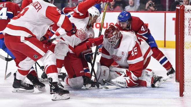 Detroit Red Wings v Montreal Canadiens Der Goalie muss enorm beweglich sein und darf keine Angst haben, sich ins Getümmel zu werfen
