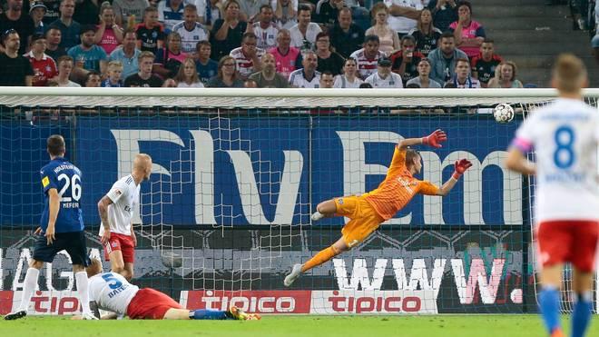 Jonas Meffert (l.) hat mit seinem Tor gegen den Hamburger SV eine alte Rechnung des Karlsruher SC beglichen