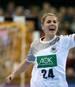 Anna Loerper führt die deutsche Mannschaft als Kapitänin aufs Feld