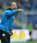 Torsten Lieberknecht steht weiterhin bei Eintracht Braunschweig an der Linie