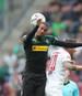 Alassane Plea (l.) erzielte sein erstes Ligator für Borussia Mönchengladbach