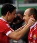 Mark van Bommel (l.) und Arjen Robben spielten von 2009 bis 2011 gemeinsam für den FC Bayern