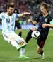 Lionel Messi (l.) und Luka Modric (r.) standen sich in der Gruppenphase der WM gegenüber