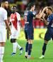 Neymar (r.) bereitete das erste Tor von Edinson Cavani vor