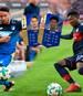 Das Bundesliga-Team der Saison in FIFA kann noch bis Sonntagabend von den Fans gewählt werden. Doch in der Startelf-Auswahl sind nicht alle Leistungsträger der Buli-Saison aufgelistet. SPORT1 zeigt, welche Akteure wohl kein Team of the Season-Werteupdate bekommen