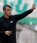 Damir Buric steht wegen eines Trauerfalls beim Spiel gegen den BVB nicht an der Seitenlinie