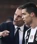 Cristiano Ronaldo (r.) steht bei Juventus Turin bis 2022 unter Vertrag