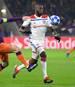 Tanguy Ndombele (r.) von Olympique Lyon hat offenbar das Interesse von Pep Guardiola geweckt