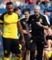 Lucien Favre feiert in Fürth sein Pflichtspieldebüt als BVB-Trainer